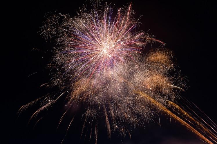 fireworks-925852_1920
